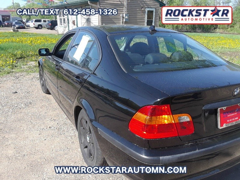Back of 2005 BMW 3-Series 325 IS