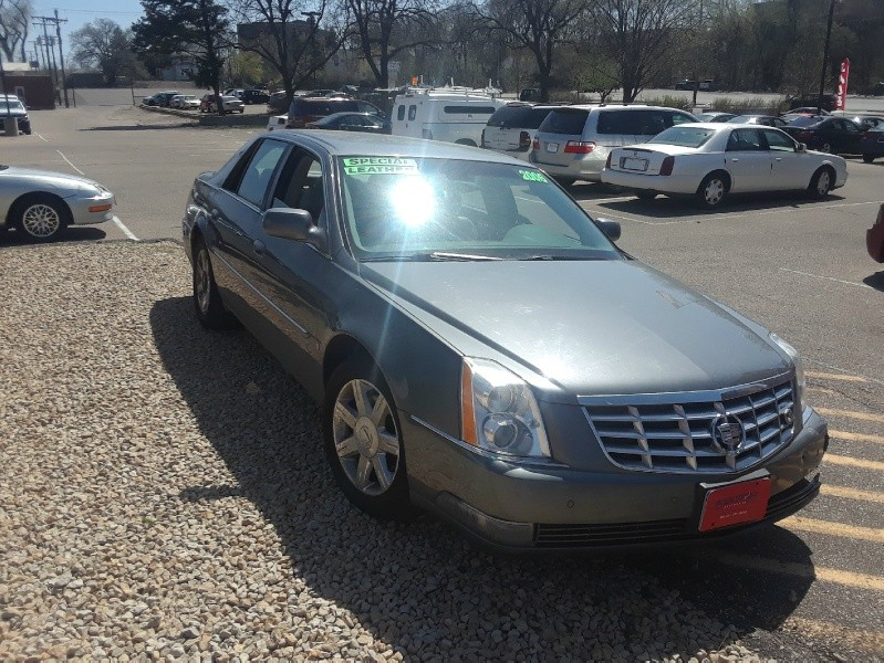Front Side of 2006 CADILLAC DTS 4DR SDN