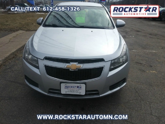 Front of 2011 Chevrolet Cruze LT