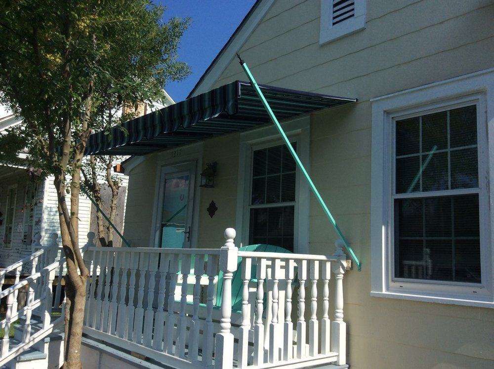 Patio spearhead awning1.JPG