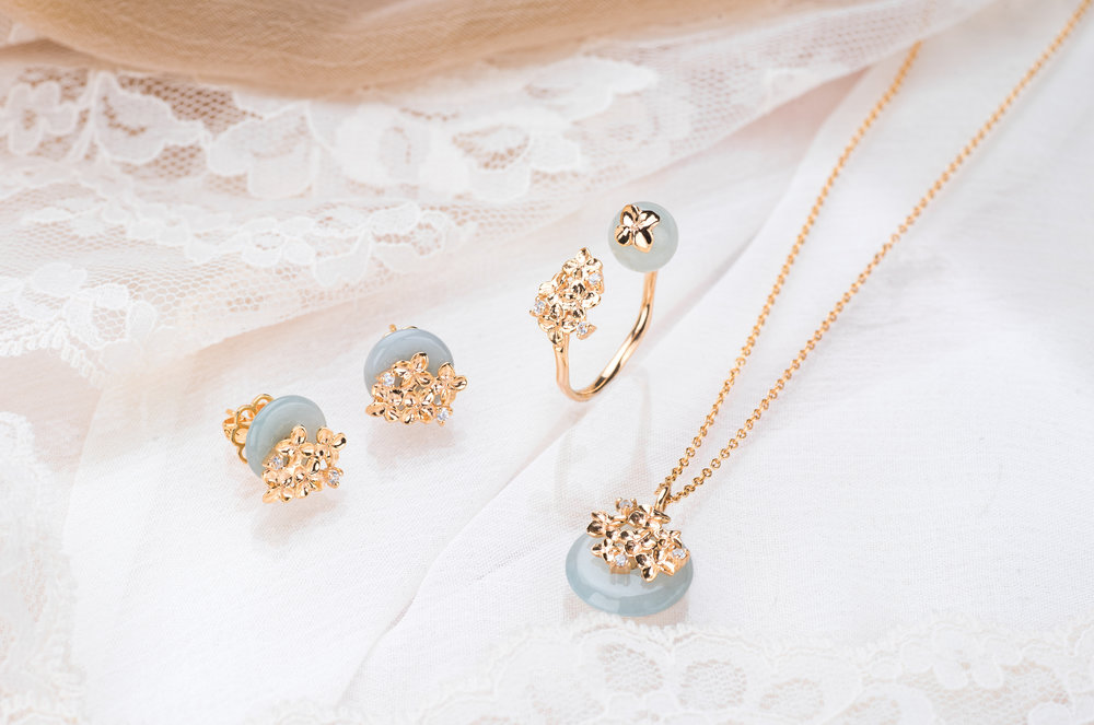 Choo Yilin Hydrangea Si Dian Jin Set in 9kt Solid Gold .