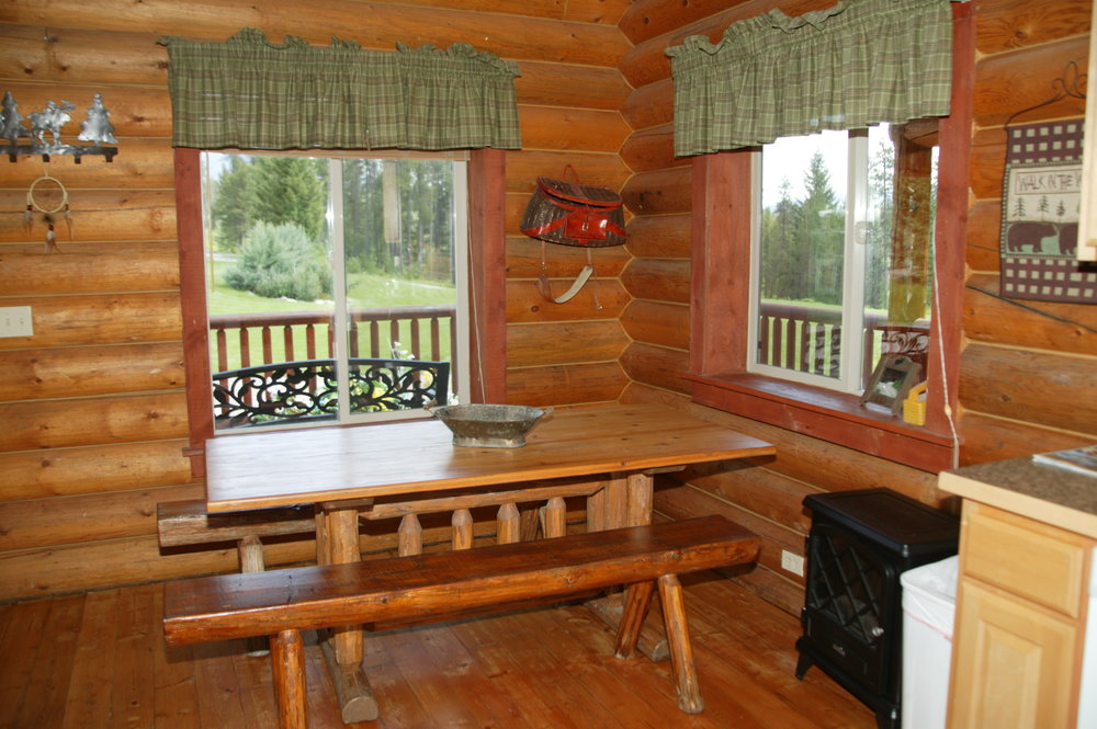 Dining Table in The Wolf Den Cabin
