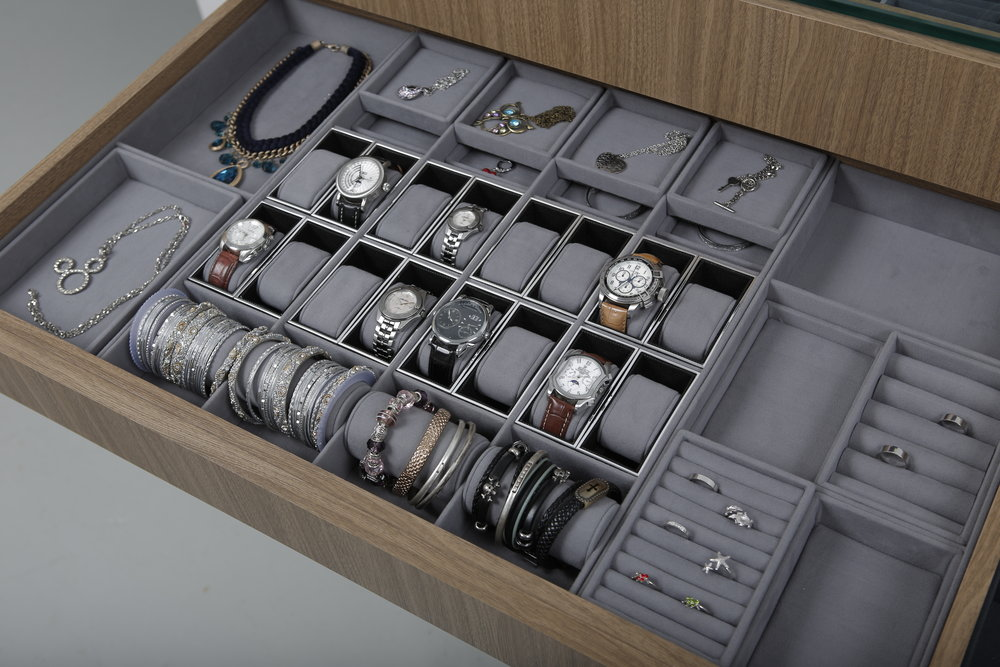 Lady's Long Drawer