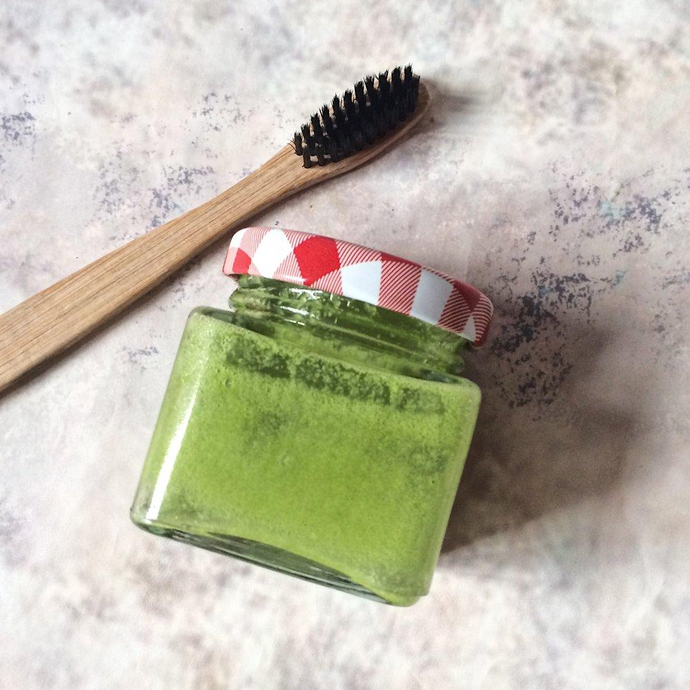 pasta de dientes al matcha