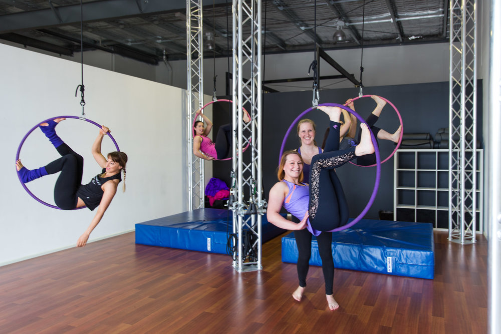 20161009 - En Pointe - 338edit - Group Hoop.jpg