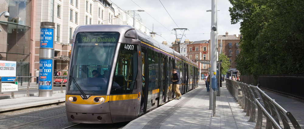 Luas_at_Stephen_s_Green_stop.jpg
