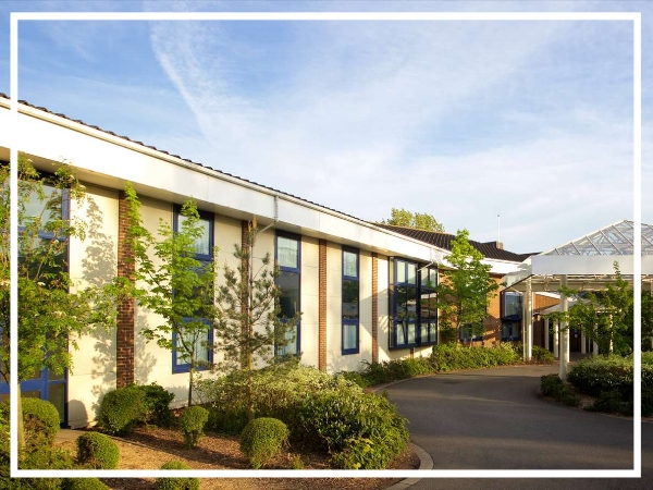 Hallmark Hotel Cambridge - 4* HotelLooking for a venue in Cambridge suitable for outdoor activites? Look no further than the Hallmark Hotel Cambridge. Just five miles from the centre, the hotel has 200 acres of grounds suitable for team building as well as 10 flexible meeting rooms.