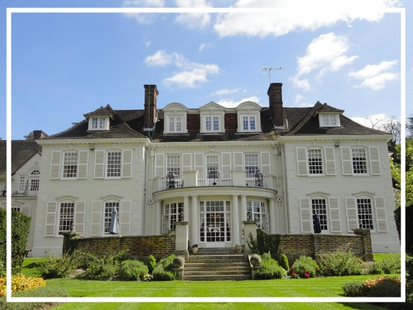 Gorse Hill - 4* Country House HotelA small and intimate venue, De Vere Gorse Hill is an elegant country mansion set in the heart of Surrey. It benefits from 18 fully equipped, high-tech meeting rooms and 50 bedrooms as well as a bar, restaurant and free wi-fi throughout.