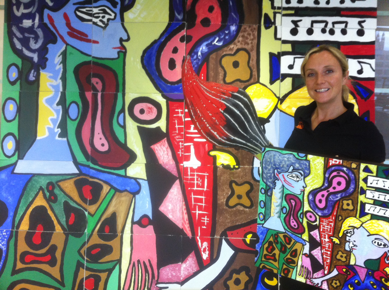 Kate Packham infront of the masterpiece