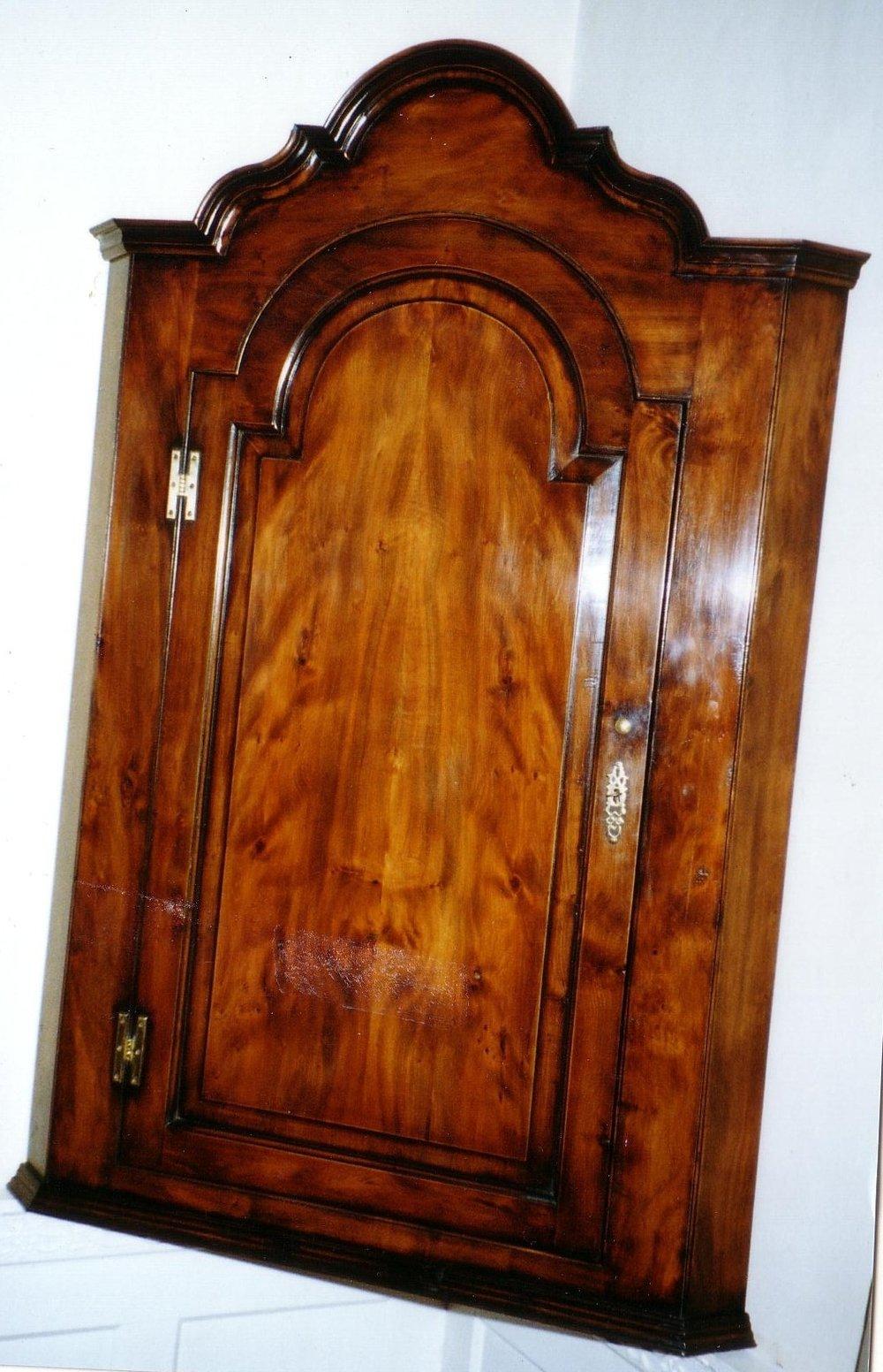 corner cabinet.jpg
