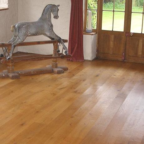 character-oak-flooring.jpg