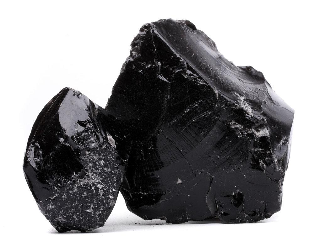 Obsidienne noire  - Vertus des cristaux - Lithothérapie Zeina Raya.jpg