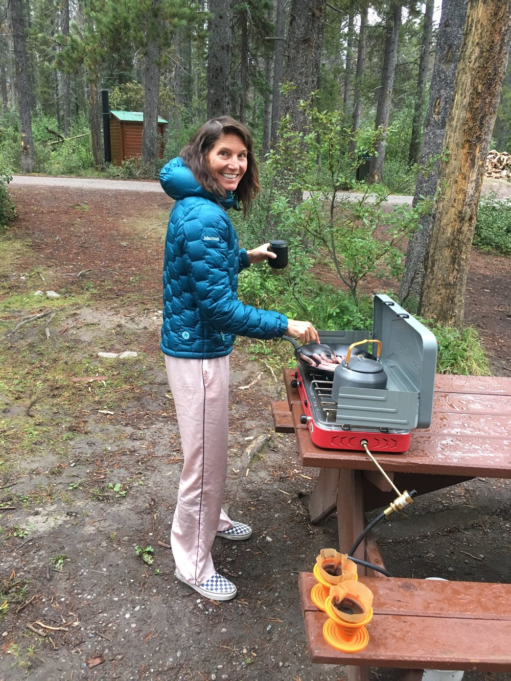 Cooking breakfast at Honeymoon lake - silk jammies, Vans, and a down jacket - true fashion! Top it off with bedhead - this is me most mornings!!!!