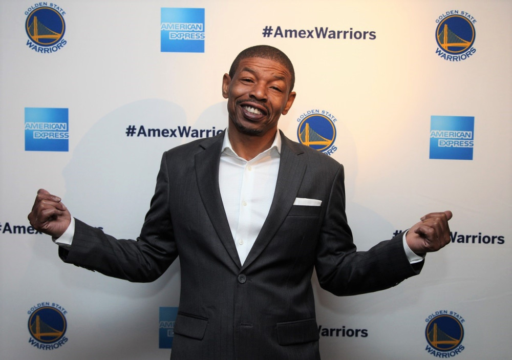 Muggsy Bogues CHats about His Childhood, filming space jam, Steph Curry and more - Muggsy sat down with HoopsHype for an interview about his lifelong career and many successes.