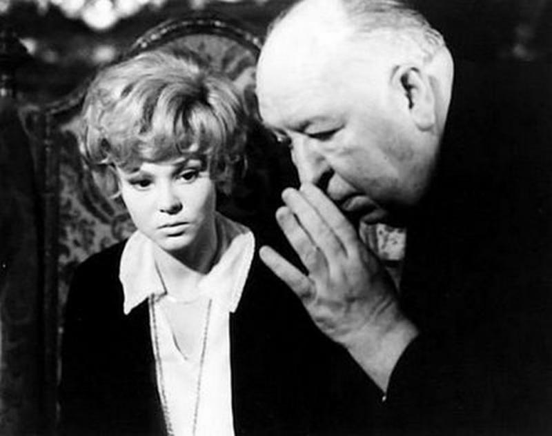 Barbara Harris/Alfred Hitchcock on set for Family Plot (1976)