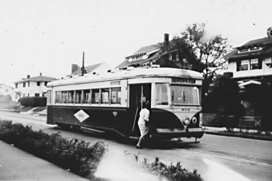 Broadway Street Car line that served Alameda from 1910-1948