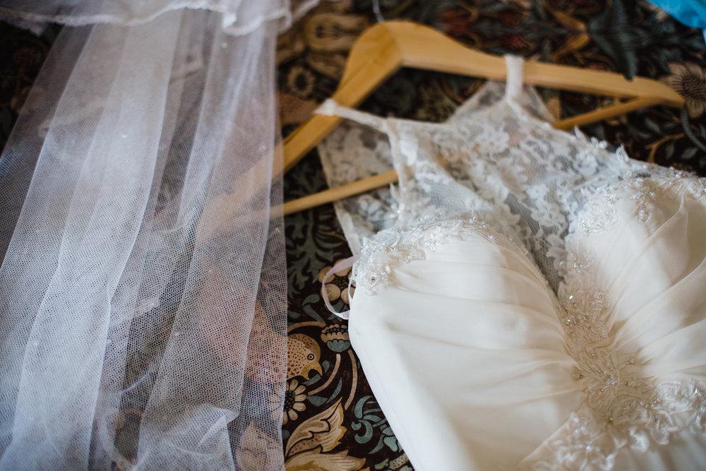 dress and veil details
