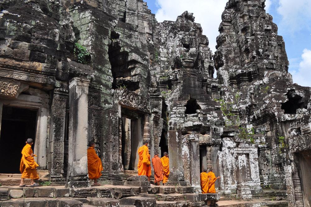 Holiram Cambogia e Vietnam Libreria Pangea.jpg