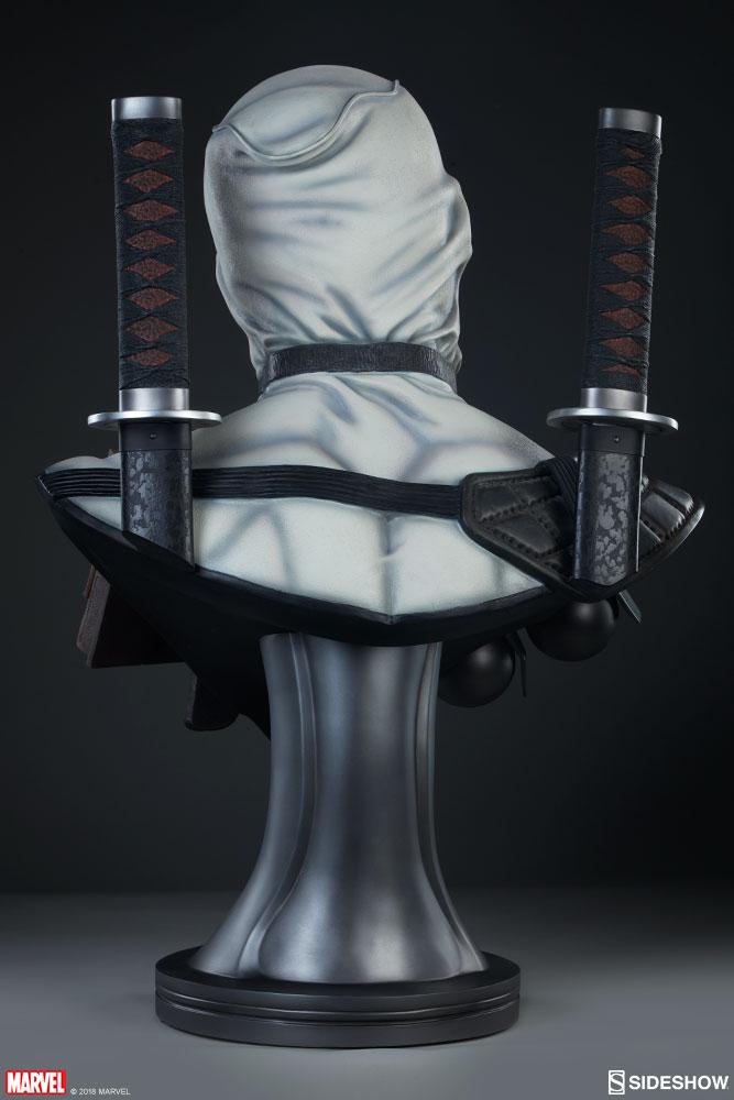 marvel-deadpool-x-force-life-size-bust-sideshow-4002922-07.jpg