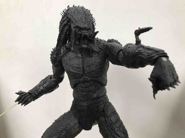 BTS-NECA-Assassin-Predator-00__scaled_600.jpg