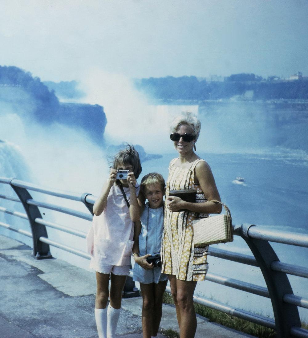 Me with Mom & Sis at Niagra Falls