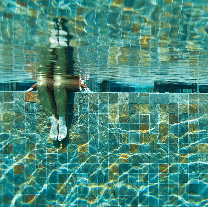 pool_song_saa_main_605i_kontrast-dunkler_vorschau_72dpi.jpg