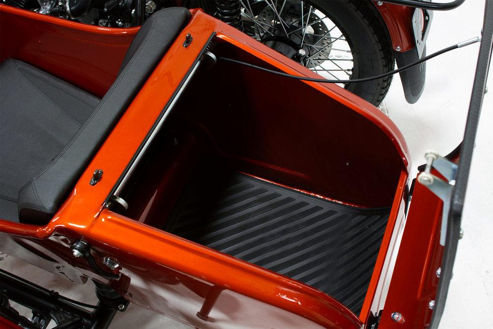 AUS-cT-trunk.jpg