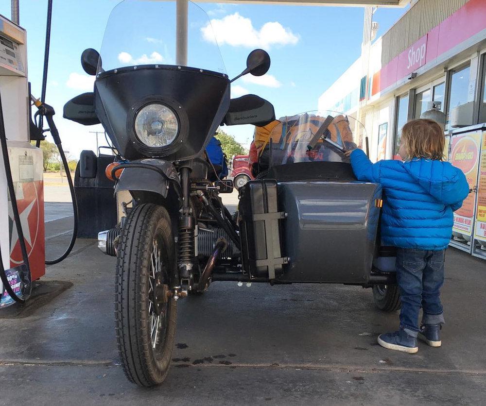 motonomadic-ural-sidecar-petrol.jpg