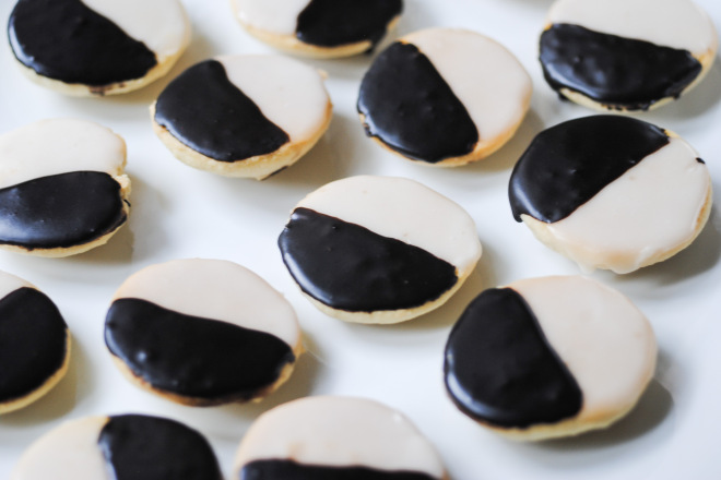 gluten-free-black-and-white-cookies-the-dusty-baker-1.jpg