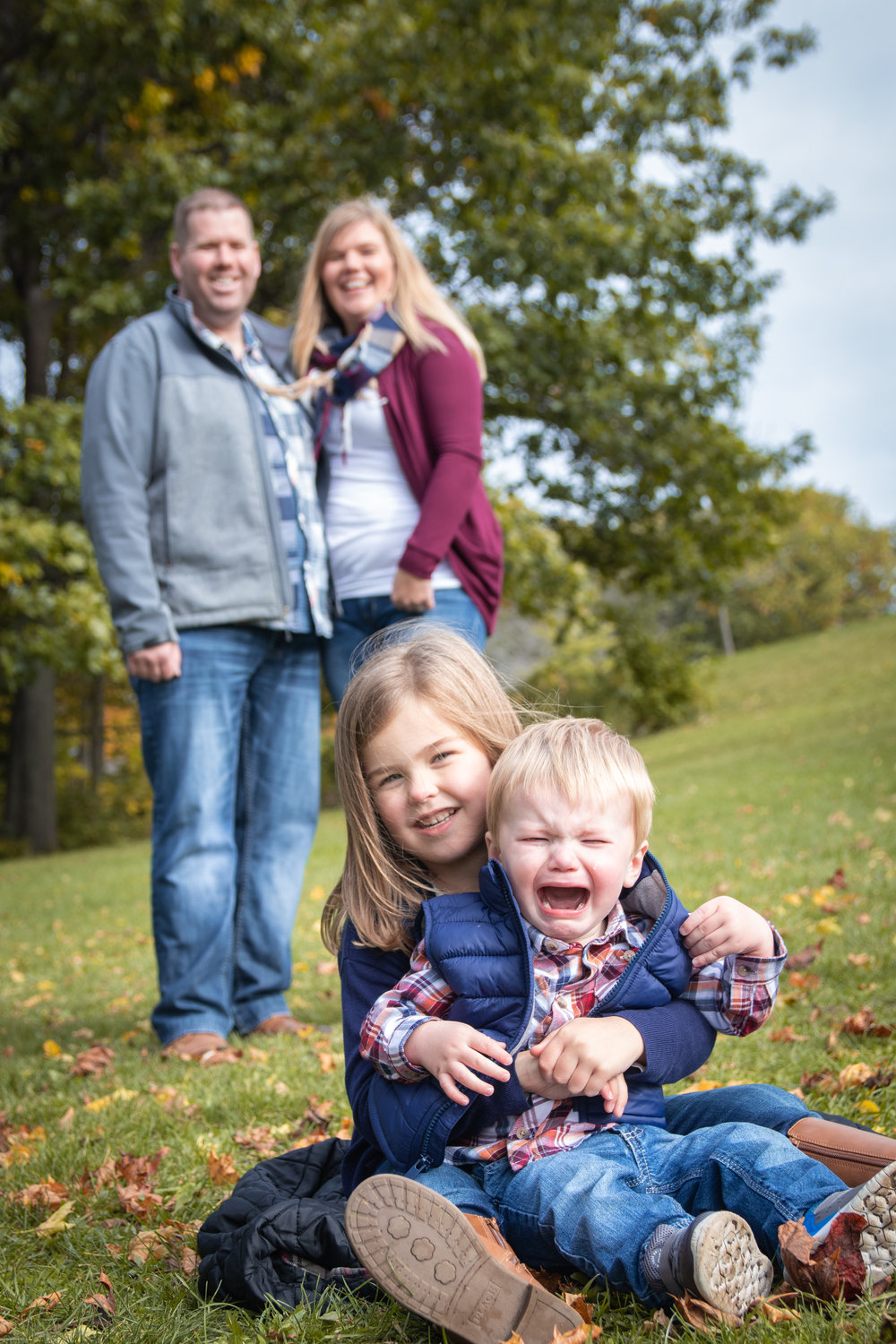 funny family photo fall session