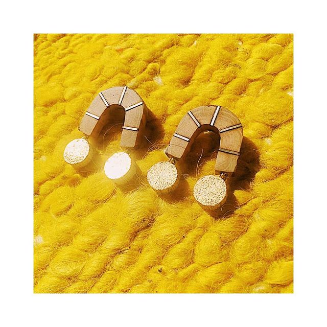 Harnessing the sun . . . . . . #handmadejewerly #slowfashion #sustainablefashion #showmeyourearrings #ethicalfashion #shopsmall #shoplocal #mytinyatlas #naturalnewengland #ignewengland #bostondotcom #followingboston #thatsdarling #newenglandliving #seekthesimplicity #naturalmassachusetts #winningmeover #igboston  #makersgonnamake #womenowned #womenentrepreneurs #femaleentrepreneurs #ladyboss #rsa_ladies #smallbiz #passionpassport #lookwhatwemade #southshore #southshoreliving