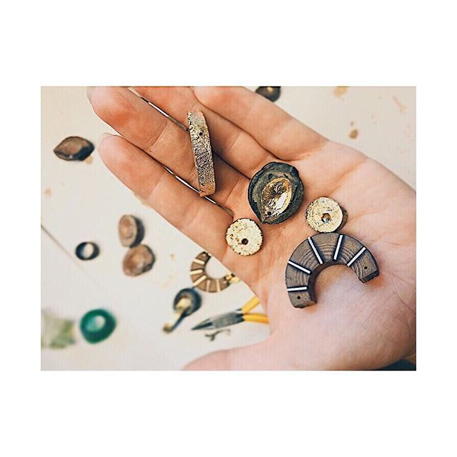Cut, sanded, gilded, inlaid. Assembly time🌞 . . . . . . #handmadejewerly #slowfashion #sustainablefashion #showmeyourearrings #ethicalfashion #shopsmall #shoplocal #mytinyatlas #naturalnewengland #ignewengland #bostondotcom #followingboston #thatsdarling #newenglandliving #seekthesimplicity #naturalmassachusetts #winningmeover #igboston  #makersgonnamake #womenowned #womenentrepreneurs #femaleentrepreneurs #ladyboss #rsa_ladies #smallbiz #passionpassport #lookwhatwemade #southshore #southshoreliving