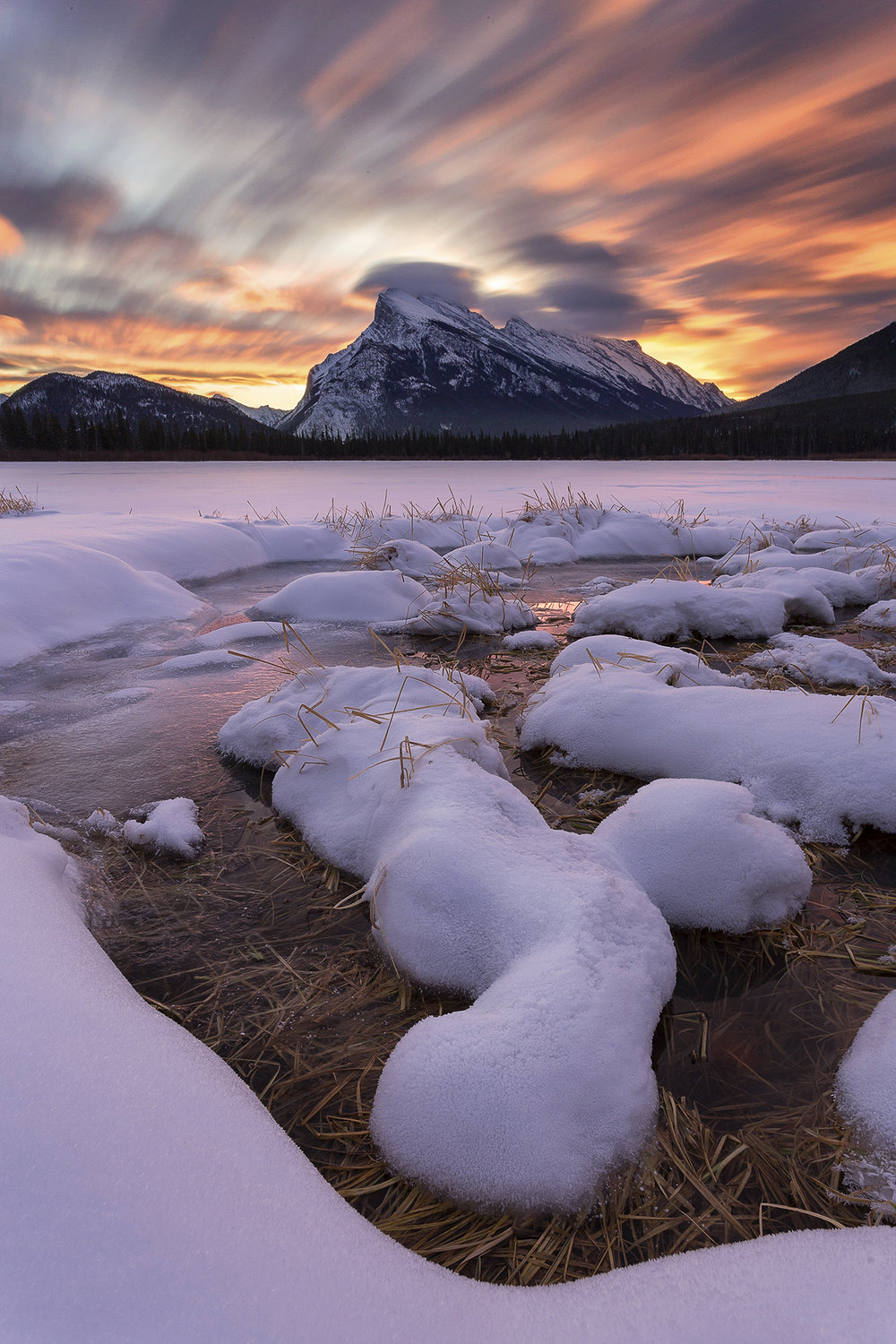 Vermilion Lakes giving the goods on a cold winters morning.