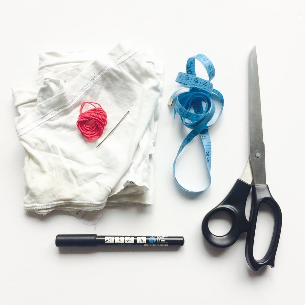 1. COTTON FABRIC SCRAPS (I USED THE SLEEVES OF OLD T-SHIRTS) 2. EMBROIDERY / COTTON THREAD & NEEDLE 3. SHARP FABRIC SCISSORS 4. MEASURING TAPE / RULER 5. PEN (OPTIONAL)
