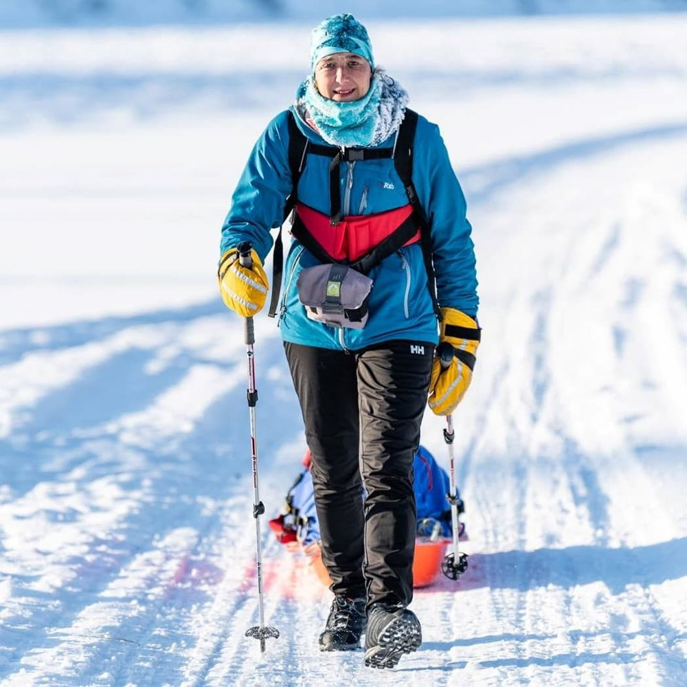 Episode 42: Marianne Heading - Marianne Heading is a ultra runner from Derbyshire England. In 2007 she had a big change in her life. She took a chance and volunteered at the Yukon Arctic Ultra. After seeing the ultra runners competing in the Yukon Arctic Ultra, Marianne was inspired. She went from barely running around the block to competing in long distance events around the world. She was the first European Women to complete the 300 mile event at the Yukon Arctic Ultra. This year she won the 300 mile event outright. Marianne is beyond humble, but her story of pivoting when life throws you the unexpected, and pursuing big dreams through hard work and perseverance is incredibly inspiring. Follow Marianne's adventures on her blog at http://www.headingnorth.co.uk