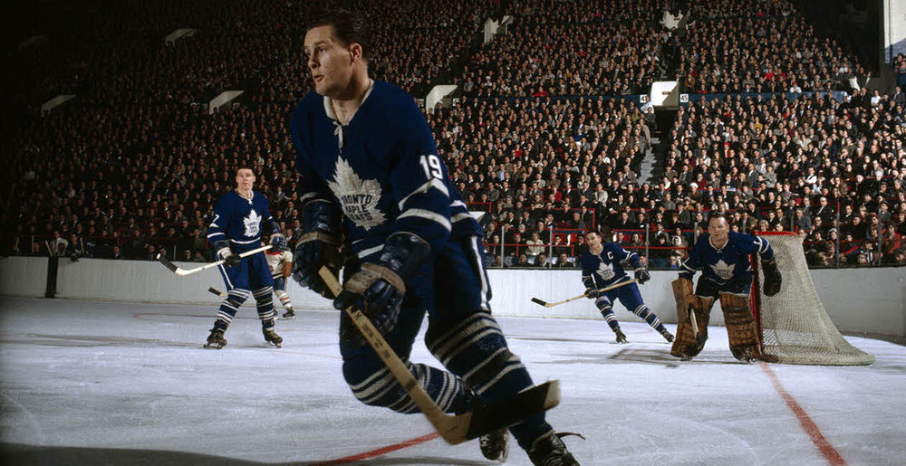 Maple-Leafs-79864987.jpg