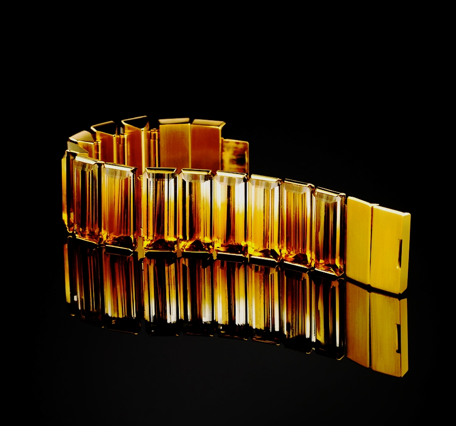 080021-Citrine-LANDforms-Light-Bracelet-20110216-900x840px01.jpg