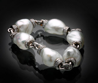 bunda 'dorado' bracelet in 18ct white gold with south sea baroque pearls and diamonds