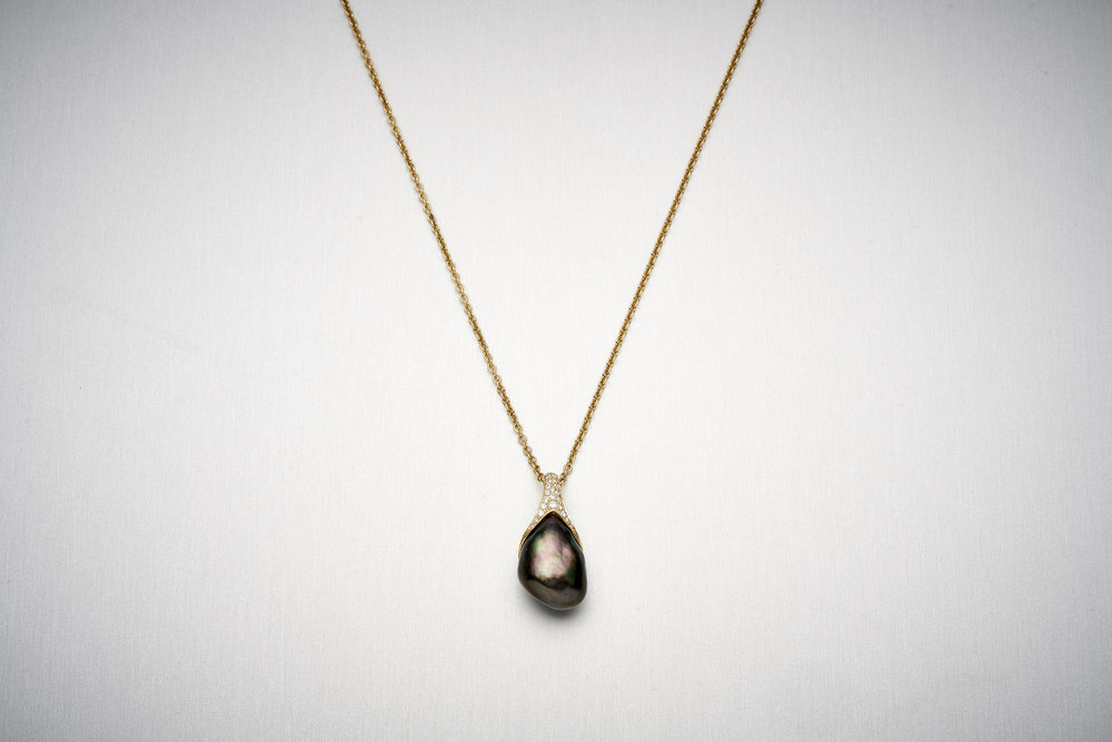 BUNDA Caelum TAHITIAN Pearl Pendant