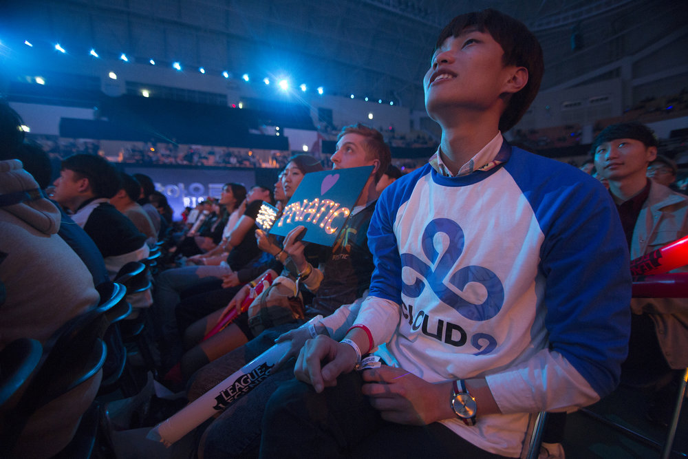 Fnatic and Cloud9 fans watch the semifinals of the League Of Legends Worlds Championship on October 28, 2018 at the Gwangju Women's University Universiade Gymnasium in Gwangju, South Korea.  Photo by Timo Verdeil / ESPAT Media