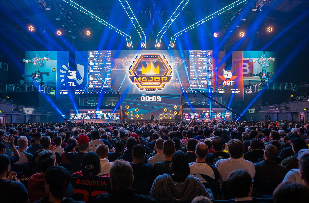 Fans are enjoying the games, FaceIt Major at The SSE Arena, Wembley on September 22, 2018 in London, England.  Photo by Kieran Gibbs / ESPAT Media