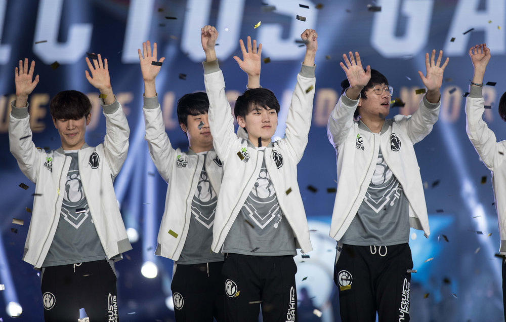 Invictus Gaming acknowledging fans onstage after winning 2018 League of Legends World Championship sponsored by Mastercard on November 3, 2018 in Incheon, South Korea.  Photo by Hannah Smith/ESPAT Media for Mastercard