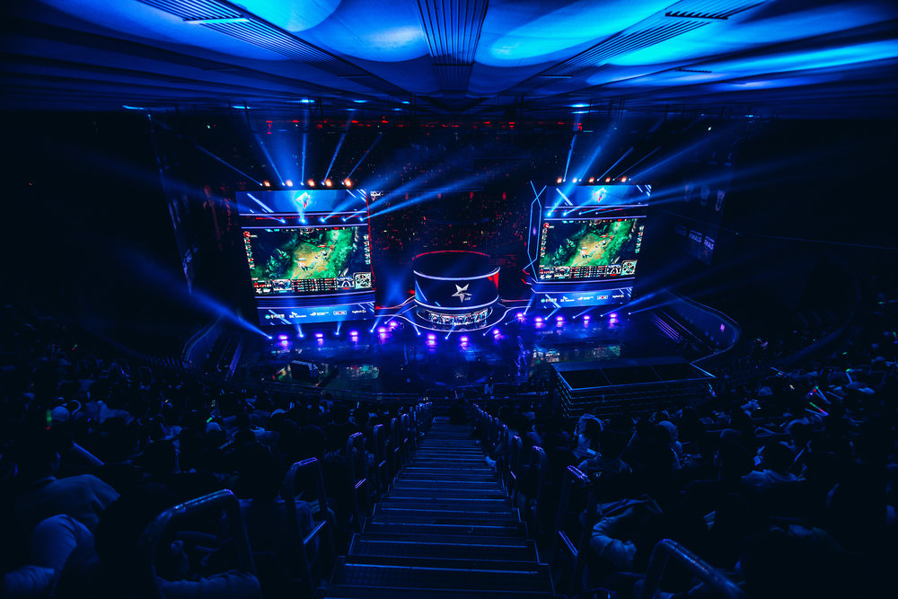 SEOUL, SOUTH KOREA - APRIL 13: On stage screens with crowd watching SK Telecom T1 (wins 3-0) vs Griffin at LCK Spring Finals at Jamsil Sports Center on April 13, 2019 in Seoul, Korea. Photo by Timo Verdeil/ESPAT Media