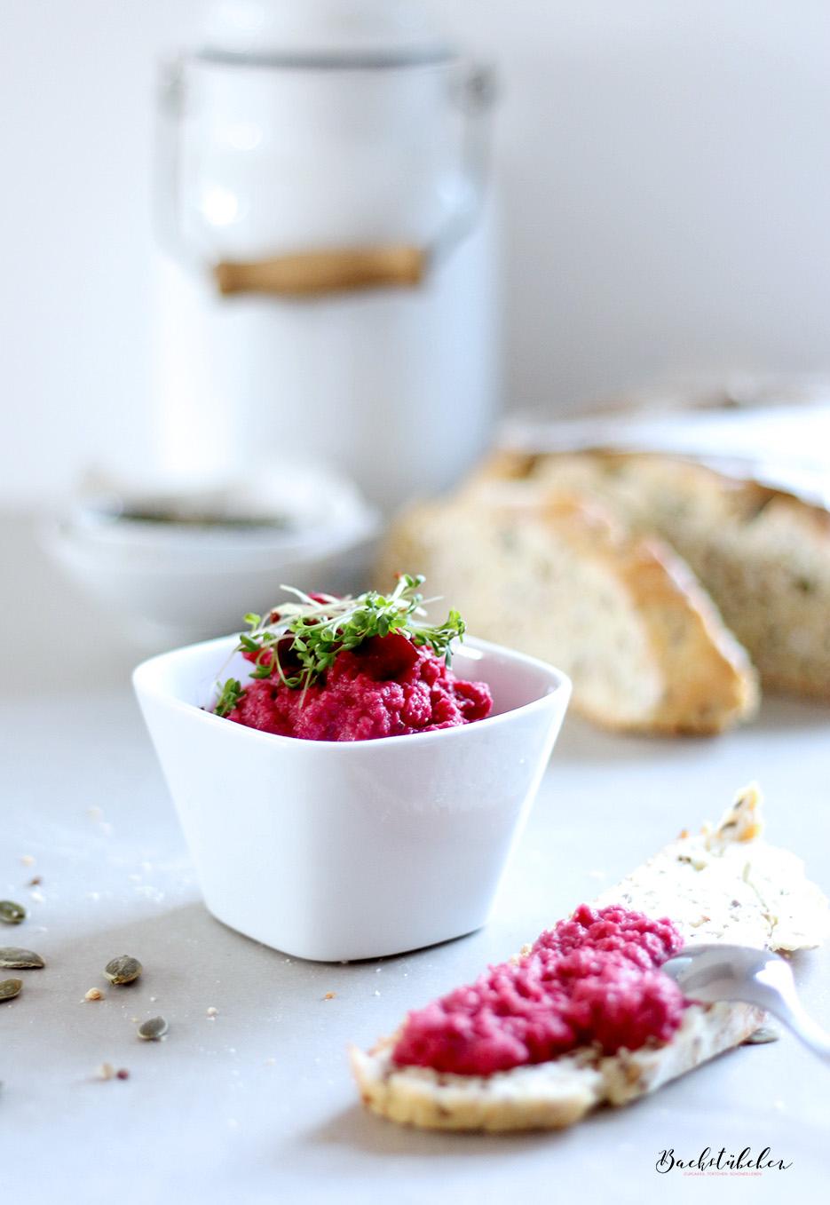 quinoa-brot-mit-rote-beete-hummus1