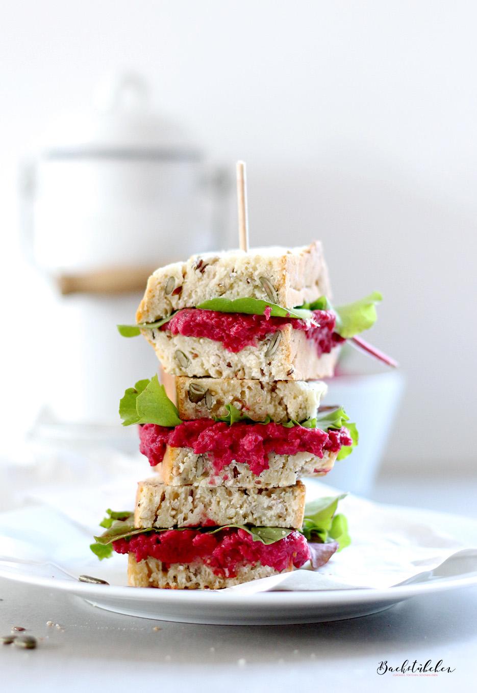 quinoa-brot-mit-rote-beete-hummus2