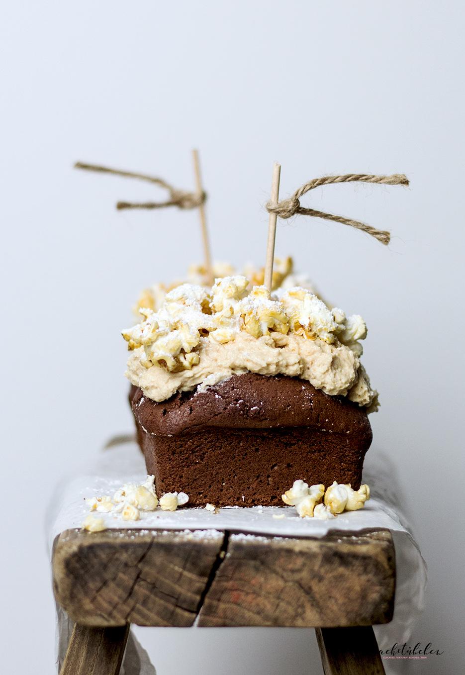 schokokuchen-mit-erdnuss-popcorn-topping2