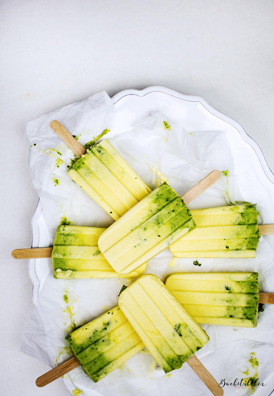 mango-kokosmilch-popsicles3.1.jpg