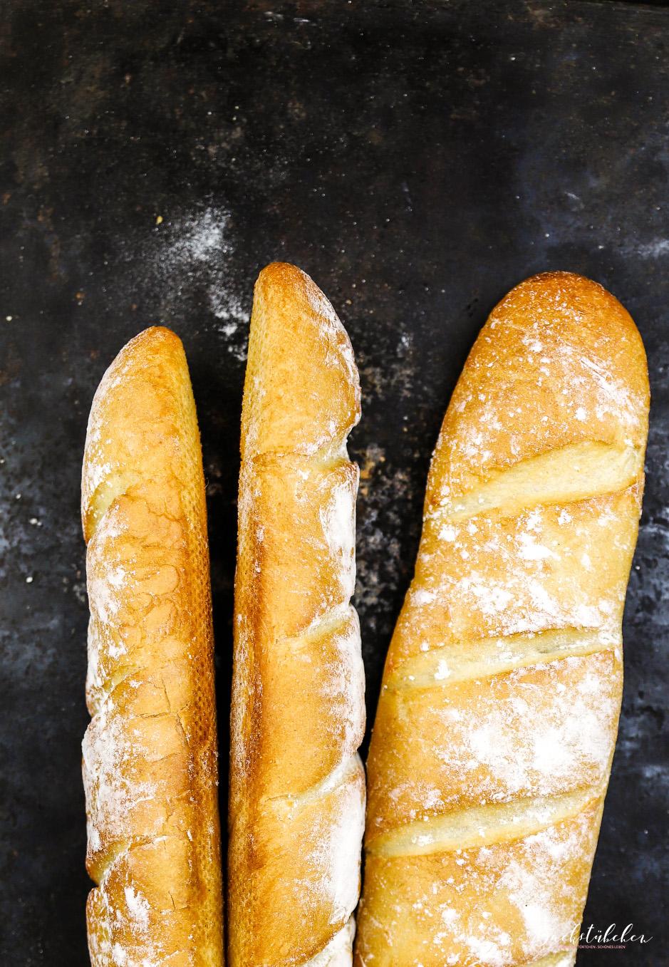Außen schön knusprig und innen schön weich: So muss das Baguette für das Original New Yorker Pastrami Sandwich sein