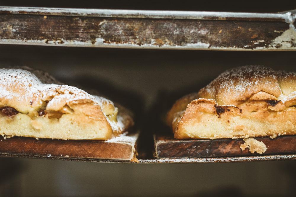 Frisch aus dem Ofen: Der Südtrioler Apfelstrudel