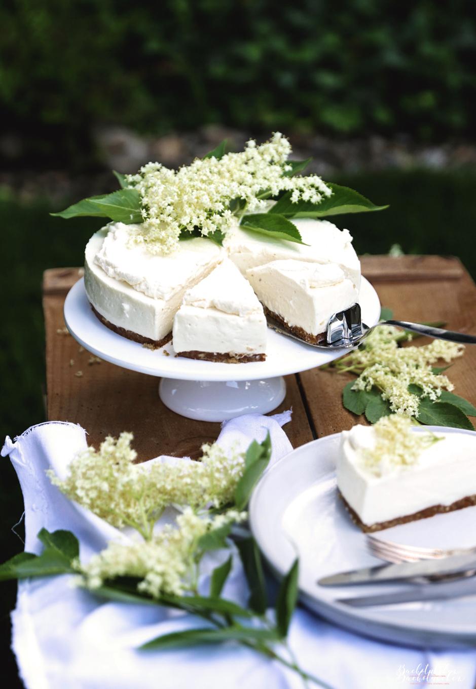 Holunder Cheesecake 4.jpg